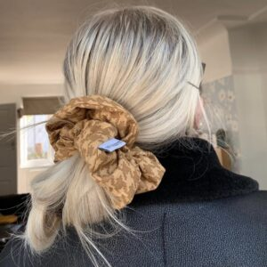 Lila Beige Dogstooth Scrunchie