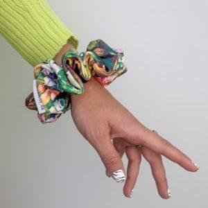 Lila Fleur Scrunchie