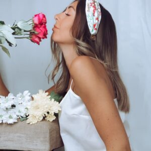 Lila White Floral Turban Headband