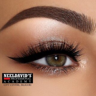 Mastering and perfecting eye makeup isn't easy,which is why we have designed a makeup course that will help you excel the eye-makeup skill.   You will be trained under the guidance of industry experts and professionals.   Click on the link on the bio to enroll now!  #makeup #beautyschool #master #beauty #neeldavids #salonmanagement #beautyexperts #hairexperts #admissionsopen #enrollnow #admission2021