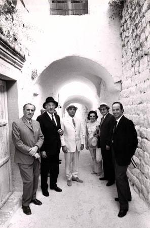 """שגריר צרפת בישראל, ג'ון הרלי, אורח הכבוד בבית עבו בצפת, ל""""ג בעומר 1974"""
