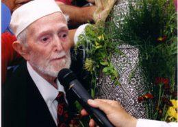 יעקב חי עבו, בנו של הרב הקונסול יצחק עבו, מברך שהחיינו תשסד 2004