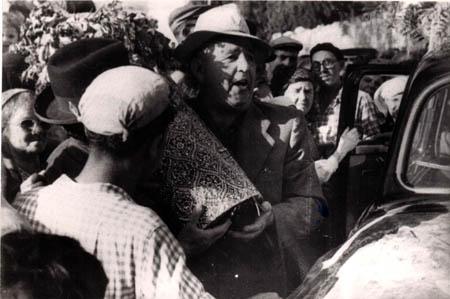 רפאל עבו - אביו, דור רביעי למסורת, 1963