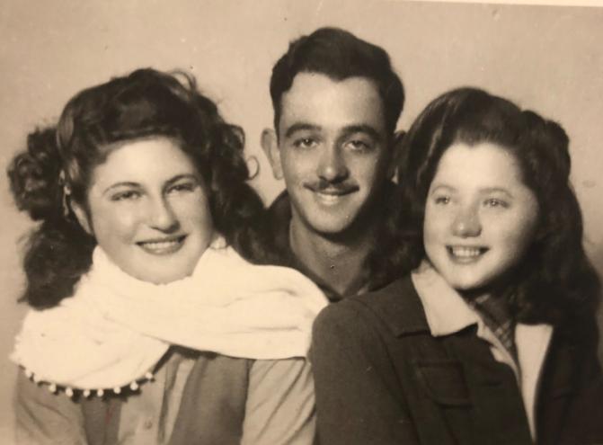 בני הדודים גלילה, צביקו, ג'ולי 1946