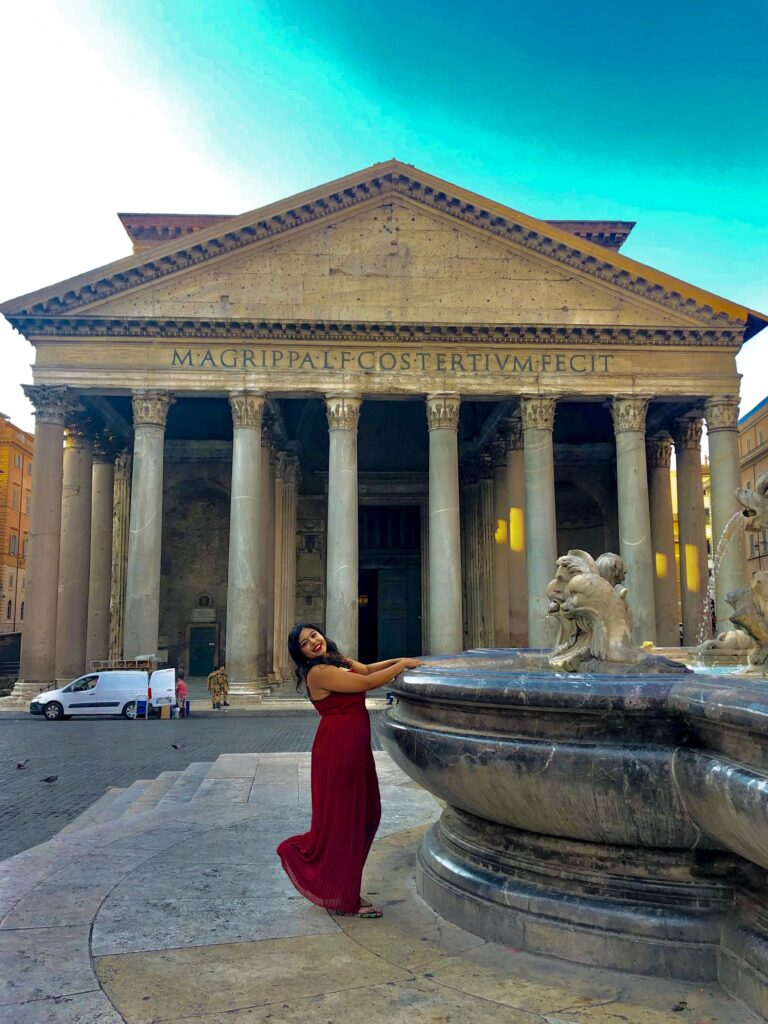 A sunny day in Rome outside the Pantheon #RomeInSpring