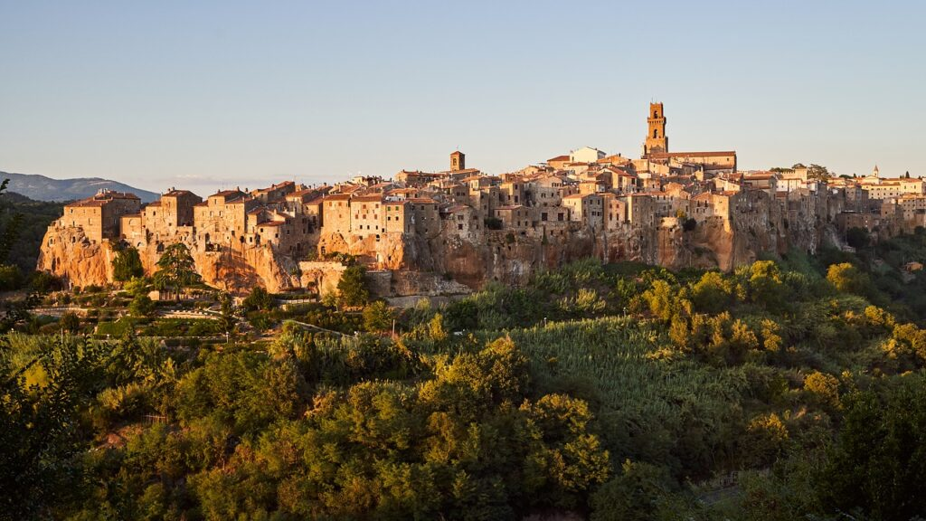Pitigliano at Sunset - Tuscany off-the-beaten path