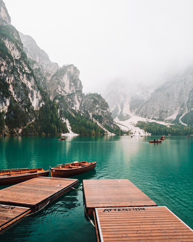 Picture of the stunning Lago di Braies, one of the top things to do in the dolomites