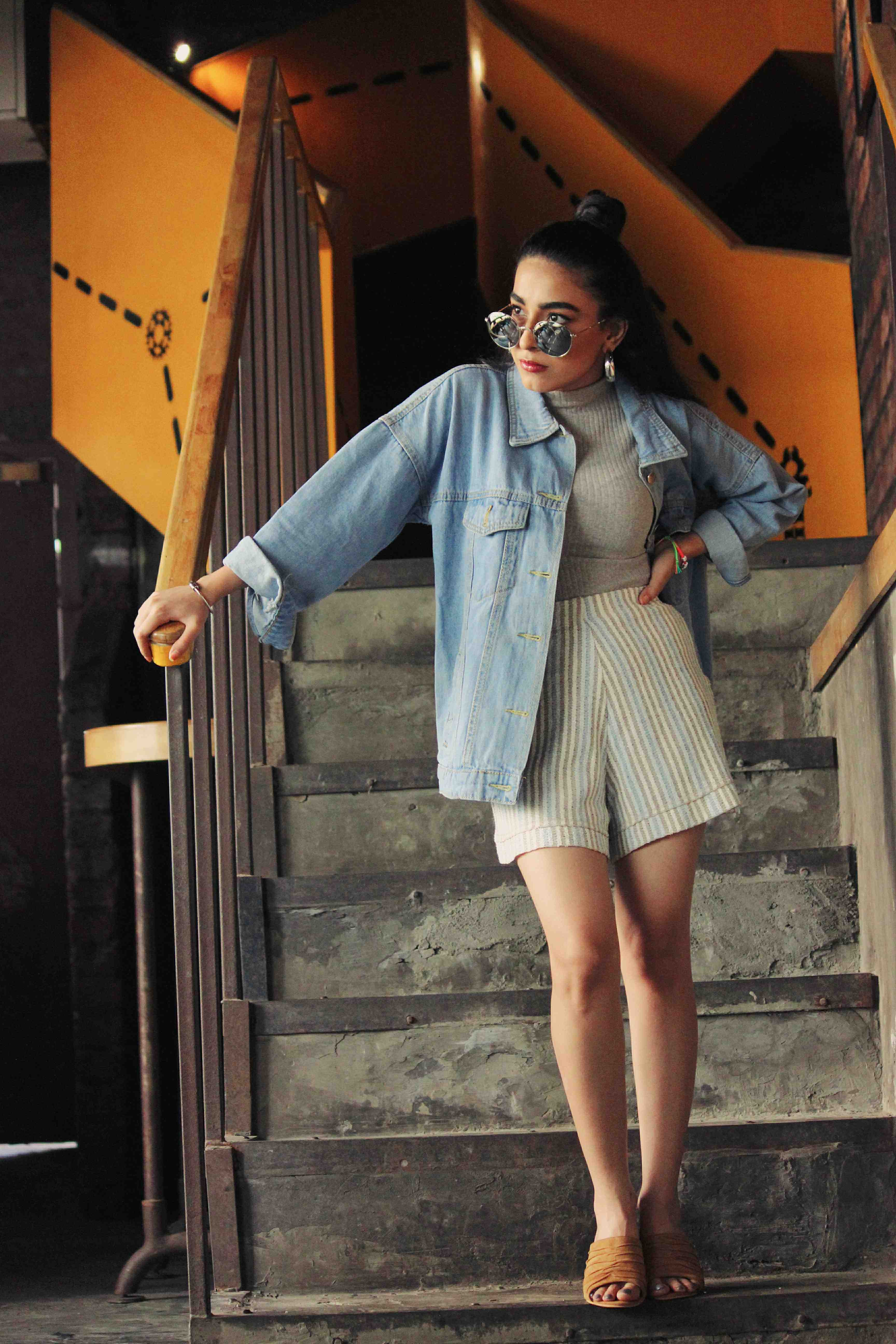 denim jacket, street style, denim jacket street style, jean jacket, vintage jacket, denim on denim, raw denim, fashion week, oversized denim jacket, oversized jacket, oversized jacket style, stylessential, outfit, inspo