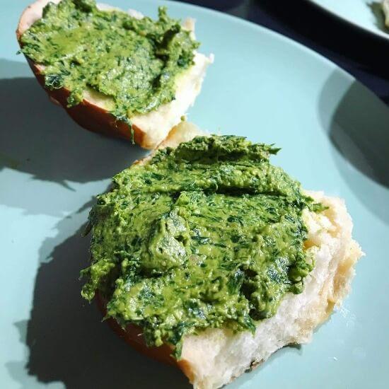 Baerlauch Pesto Brot