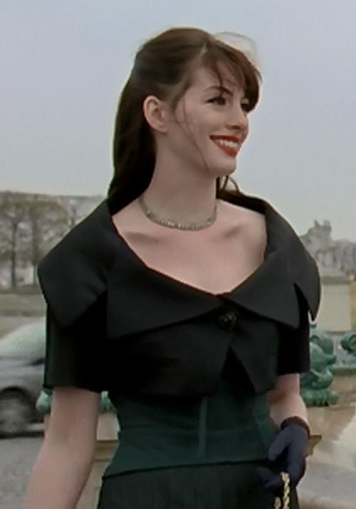 Menyingkap outfit Andrea Sachs di The Devil Wears Prada (2006)