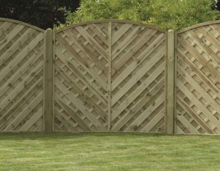 Criss cross wooden garden fence fitted by Top Drawer Construction Woking Weybridge Surrey
