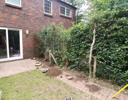 Top Drawer Construction garden fence fixing Woking Surrey