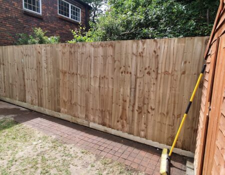 Top Drawer Construction garden fence fitting Woking Surrey