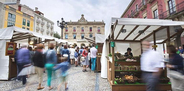 Día d'Asturies nel Mercáu Artesanu de Xixón