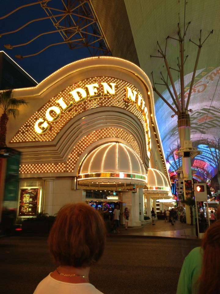 golden-nugget-cosmopolitan-hotel-las-vegas-things-to-do-travel-tips-blog-elle-blonde-luxury-lifestyle-destination-blog