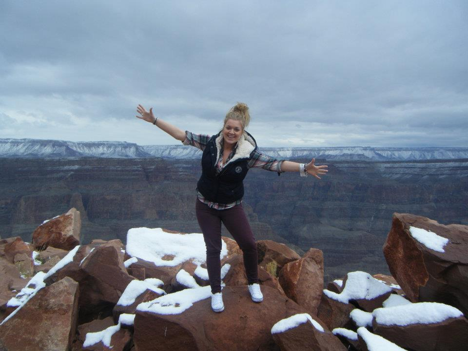 grand-canyon-west-rim-skywalk-las-vegas-things-to-do-travel-tips-blog-elle-blonde-luxury-lifestyle-destination-blog