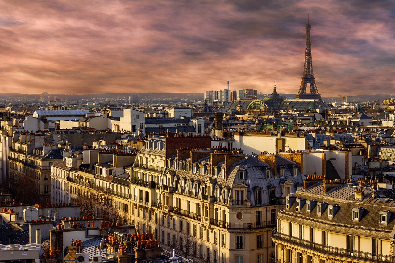 Paris Skyline Sunset | Parisian French | Travel Guide & Wanderlust Inspo | Stuck in a travel rut? Find out how Dawn from Book & Brew is getting out of hers with a European Adventure | Elle Blonde Luxury Lifestyle Destination Blog