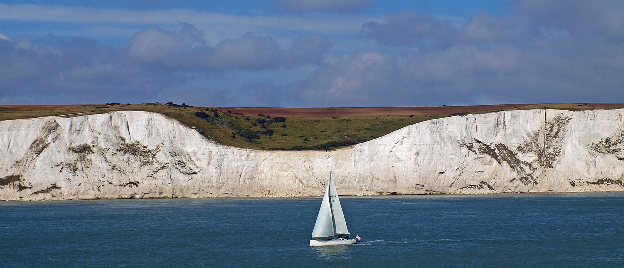 White Cliffs of Dover | Travel Guide & Wanderlust Inspo | Stuck in a travel rut? Find out how Dawn from Book & Brew is getting out of hers with a European Adventure | Elle Blonde Luxury Lifestyle Destination Blog