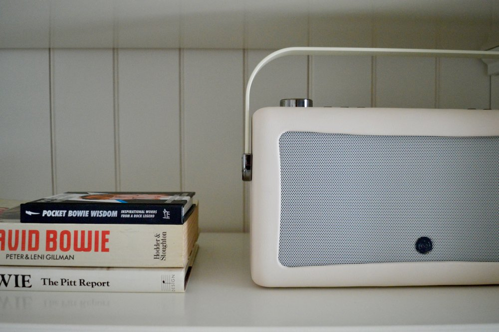 my vq_dab_digital_radio_hepburn_II_elle_blonde_luxury_lifestyle_blog