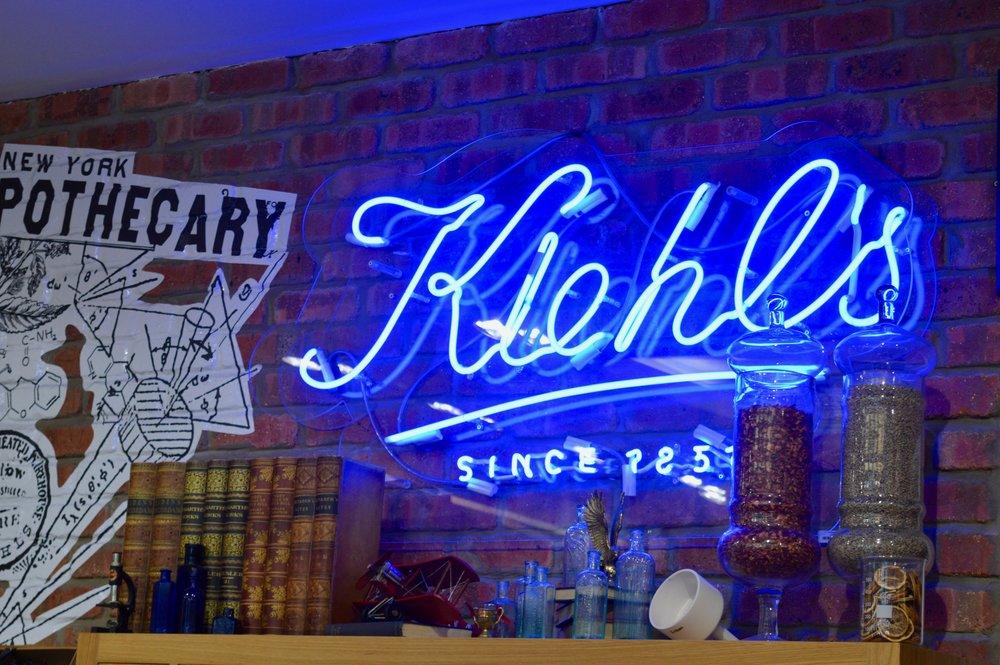 neon-sign-kiehl's-blackett-street-newcastle-blogger-event-elle-blonde-luxury-lifestyle-blog
