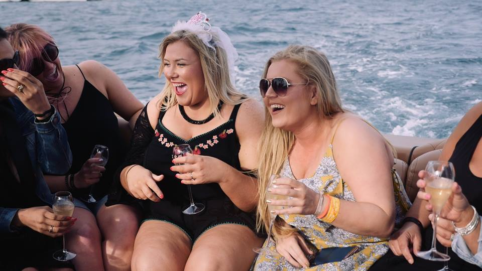 rihanna-fat-jibe-body-confidence-simply-be-elle-blonde-luxury-lifestyle-blog