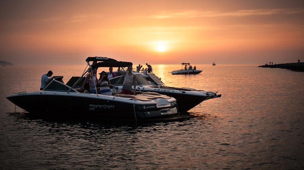 sunset_ibiza_boat_party_cafe_mambo_boat_trip_sunset_boats_elle_blonde_luxury_lifestyle_blog