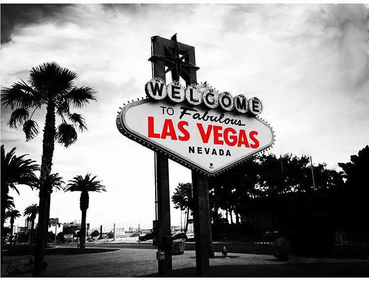 How to do Vegas on a budget without missing out on any of the must see attractions | Las Vegas Money Saving Tips | Travel Guide | Elle Blonde Luxury Lifestyle Destination