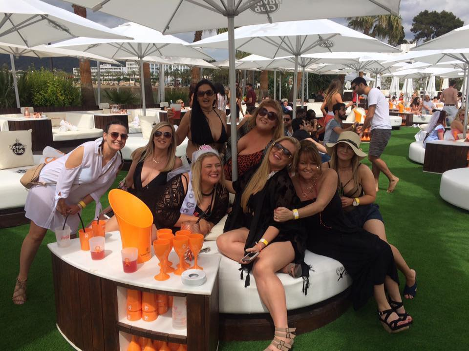 Things to do in Ibiza | Ocean Beach Club | Luxury Travel Destinations | Hen Party Ideas/ Bachelorette Party Ideas | Elle Blonde Luxury Lifestyle Destination Blog