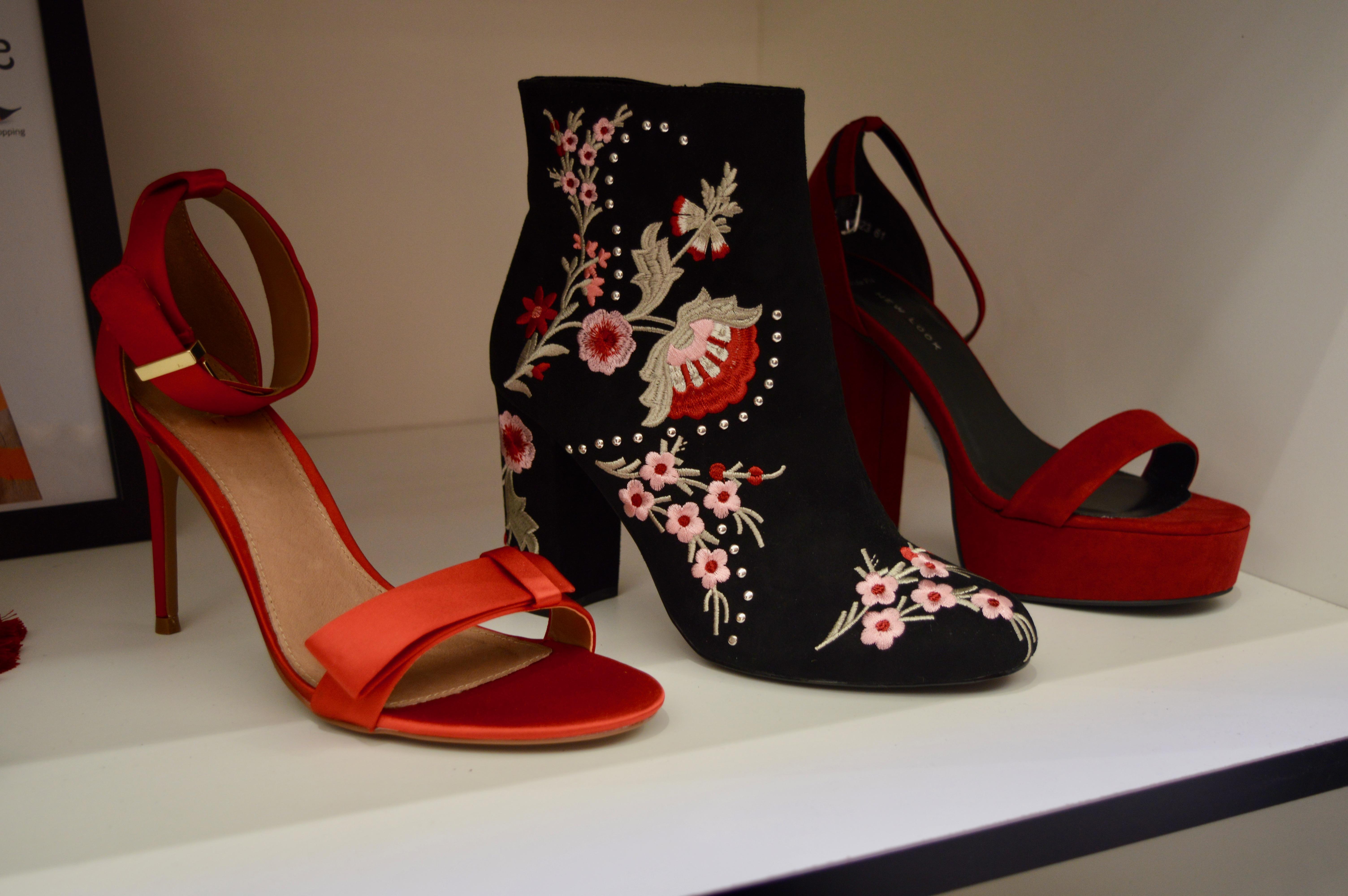 red-boots-intu-eldon-square-winter-fashion-stylissimo-newcastle-high-street-halloween-elle-blonde-luxury-lifestyle-destination-blog