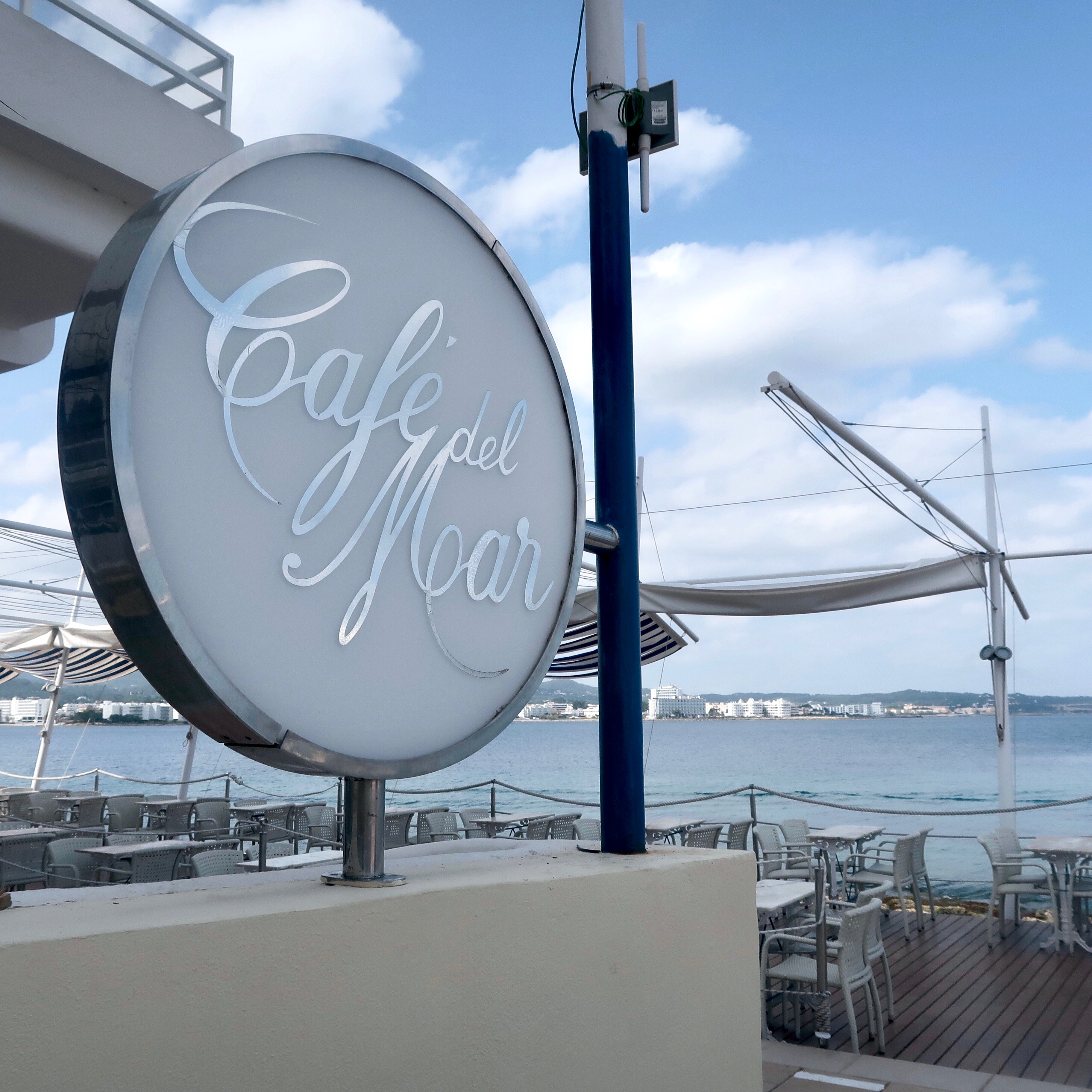 Cafe Del Mar Ibiza | Holiday & Wanderlust Inspo for the White Isle | Where's good to eat in San Antonio Ibiza | Travel tips & guide | Elle Blonde Luxury Lifestyle Destination Blog