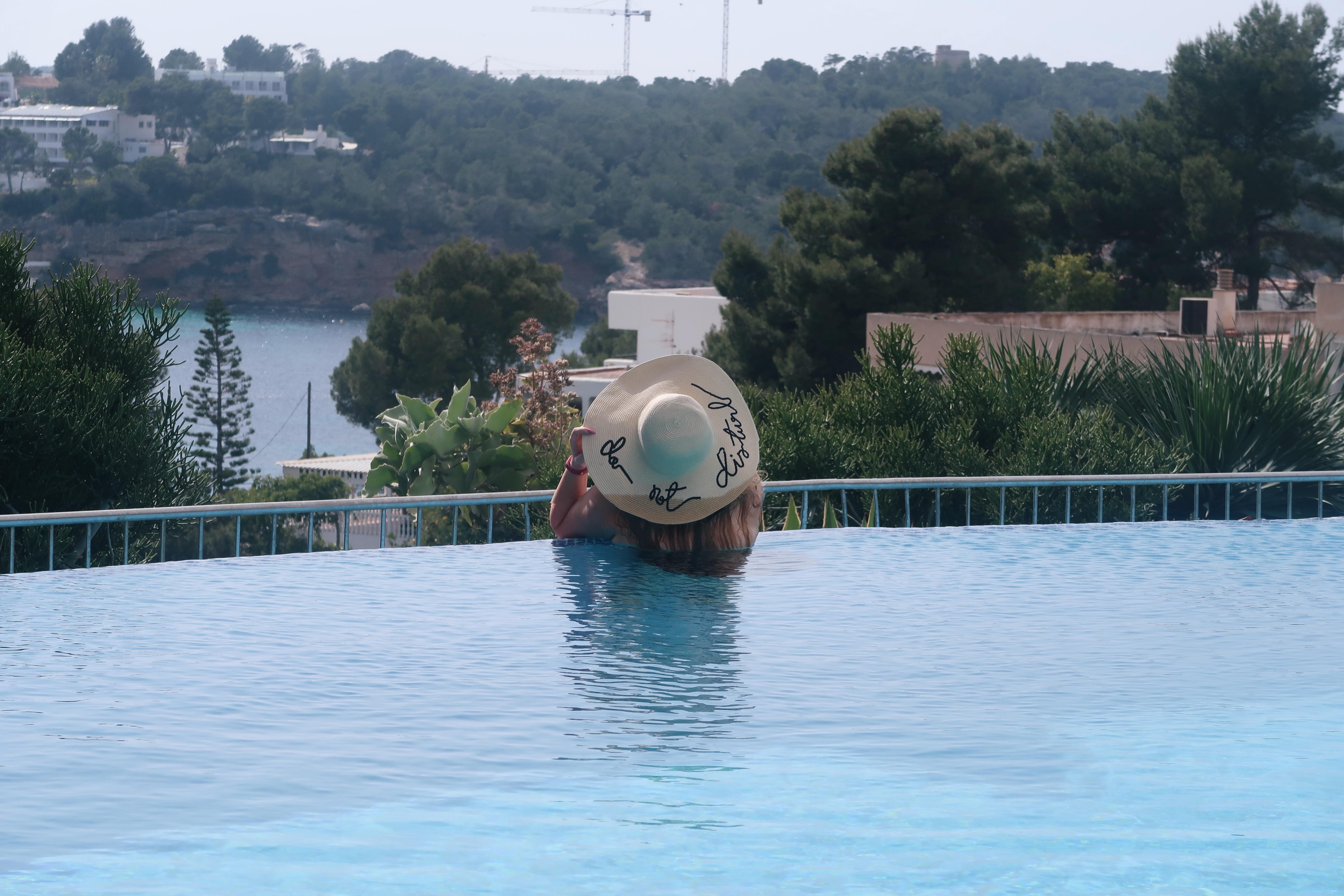 Where Can I Relax In Ibiza Near Portinatx? 3