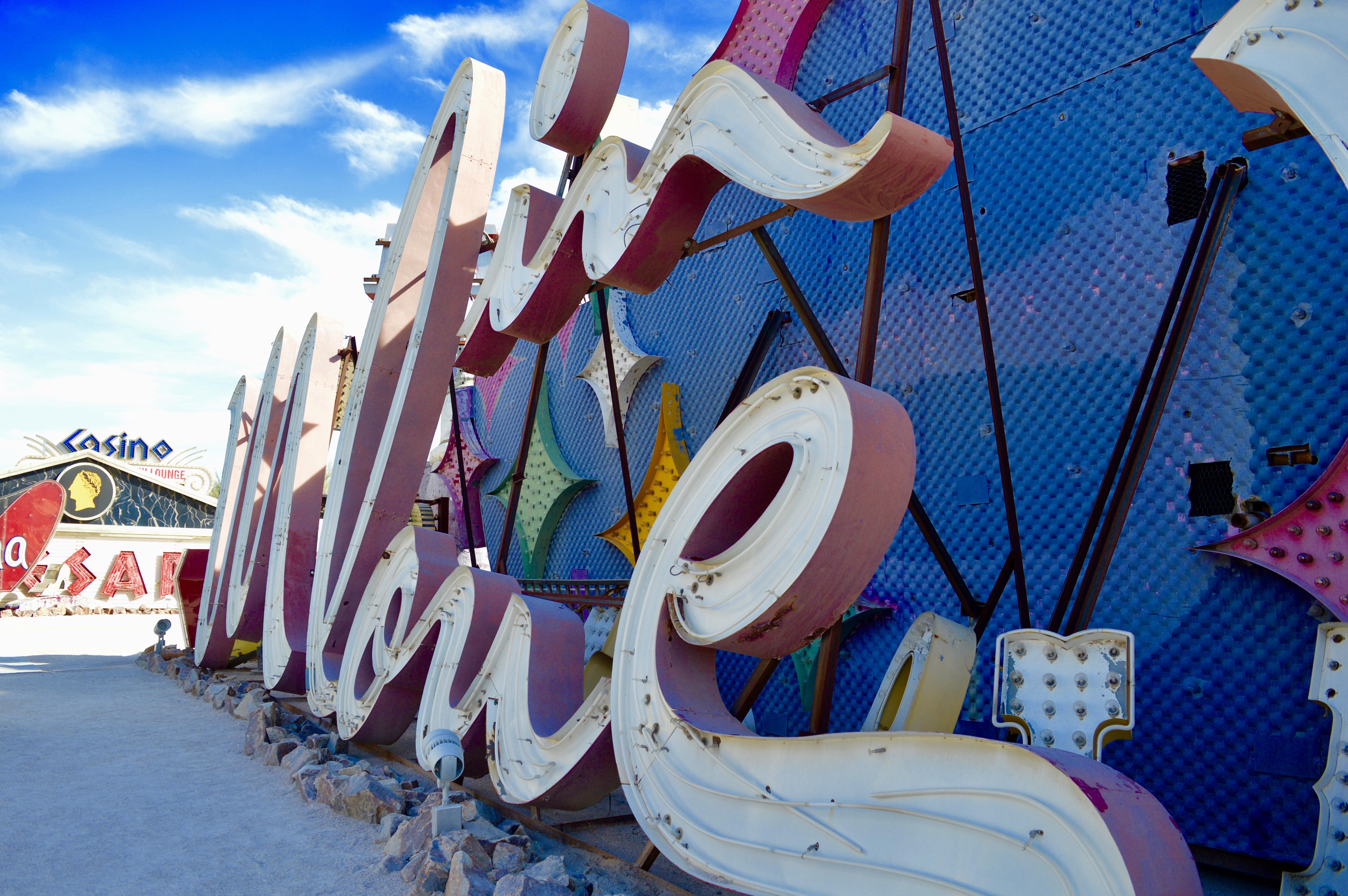 Moulin Rouge | The Neon Boneyard Museum | Las Vegas | What should I do in Las Vegas? | Travel tips for Las Vegas Nevada | Travel Blog | Elle Blonde Luxury Lifestyle Destination Blog