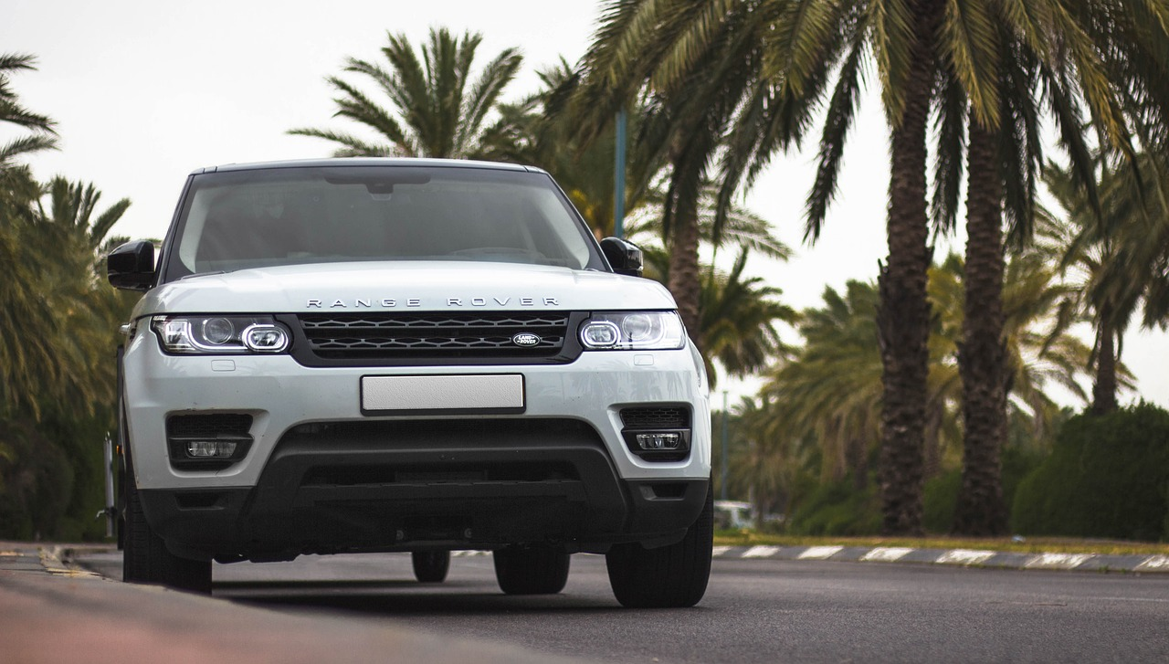 Car Checklist and car maintenance | Range Rover 4x4 Car | Elle Blonde Luxury Lifestyle Destination Blog