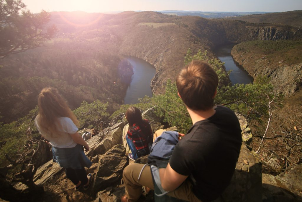 5 summer travel hacks for hiking | Travel Guide | Elle Blonde Luxury Lifestyle Destination Blog