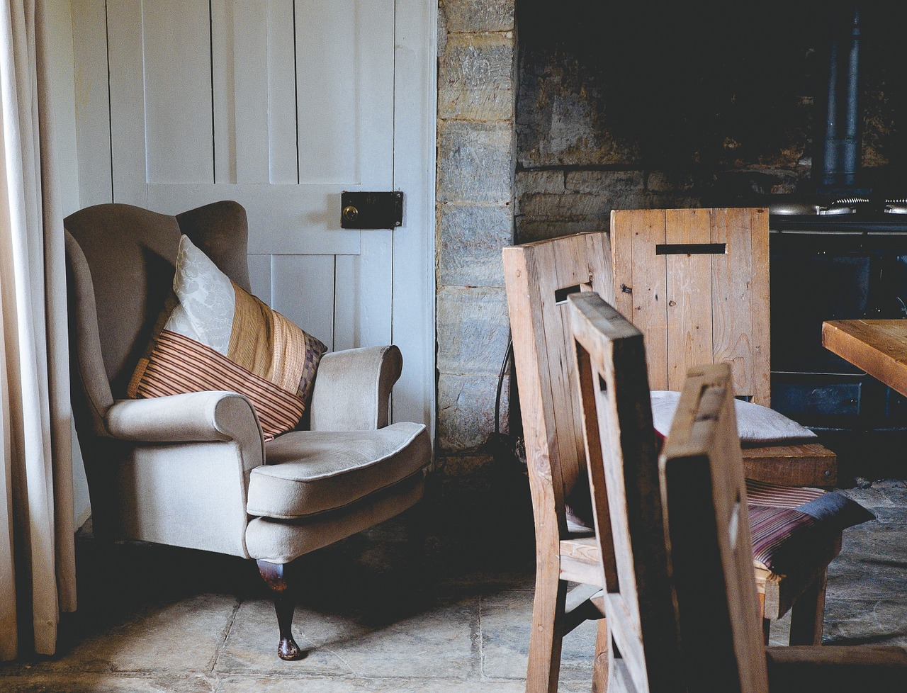 First Home Interior Design Inspo | Creating a snug space for homes | Home Interior Tips | Elle Blonde Luxury Lifestyle Destination Blog