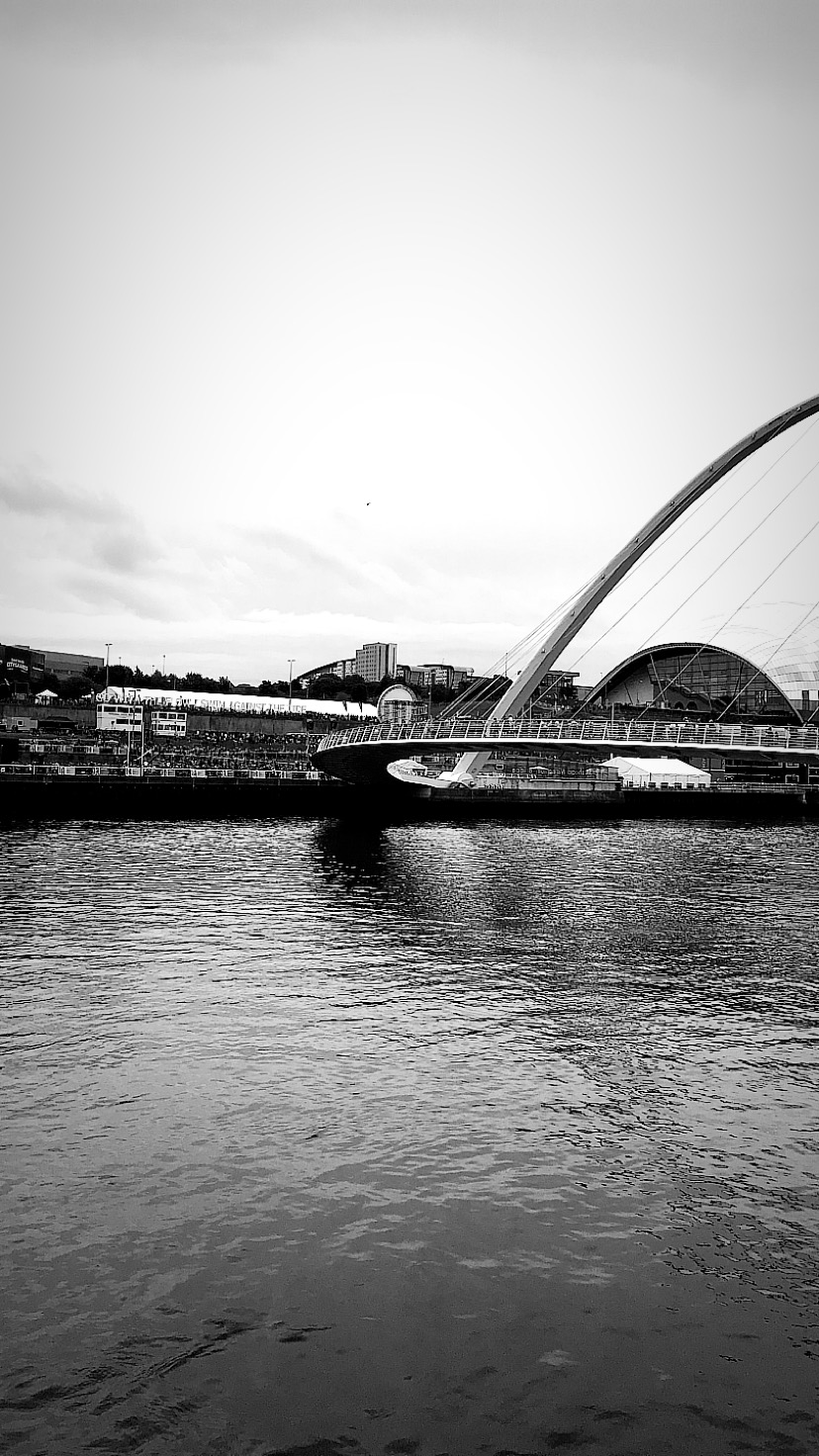 """Tips for running the Great North Run (or any half marathon)   Elle Blonde   If you're looking to run a half marathon here are our tips for the Great North Run, including our 8 week half marathon running training guide FREE download   Fitness   Elle Blonde Luxury Lifestyle Destination Blog """" Newcastle Upon Tyne, Millennium Bridge, Gateshead. Great North City Games"""