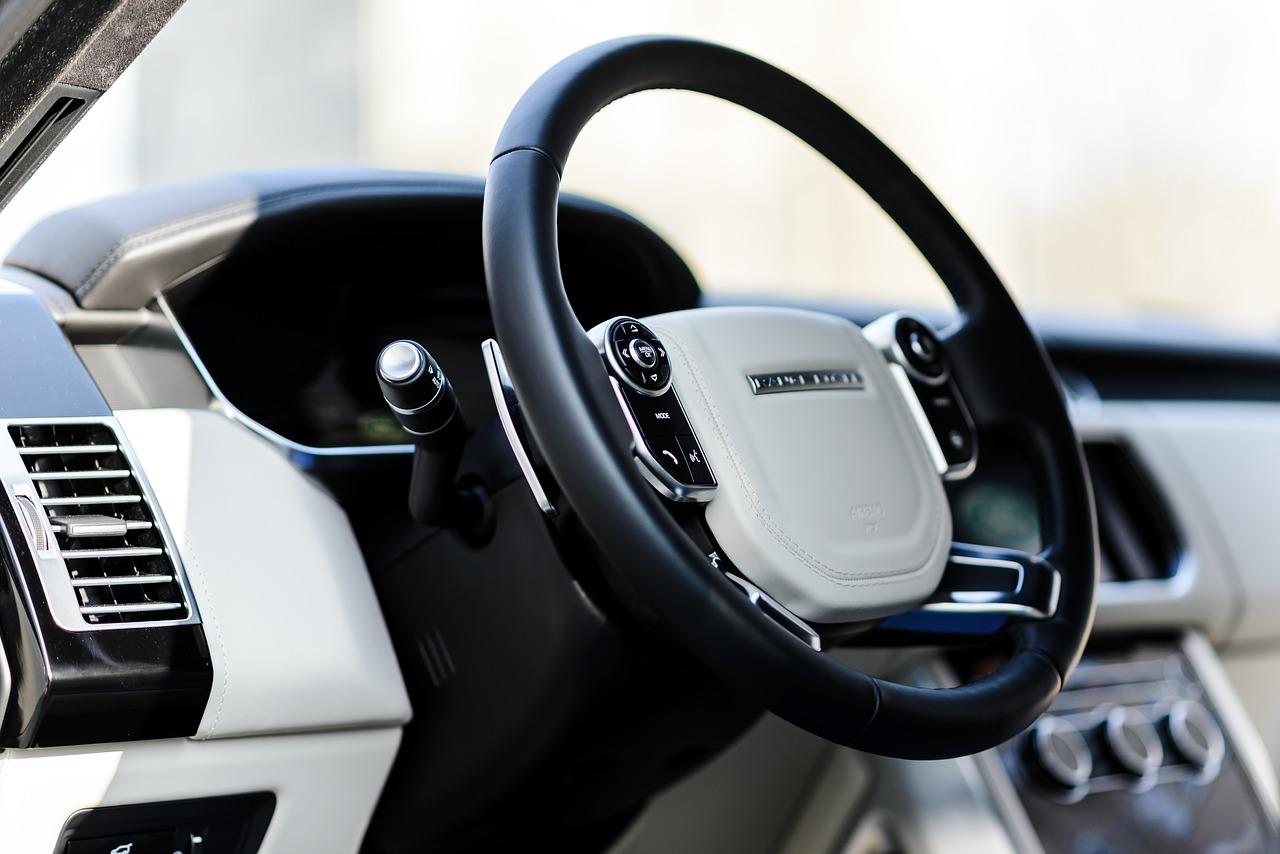 Car maintenance | Common driving myths | Car blog | Elle Blonde Luxury Lifestyle Destination Blog