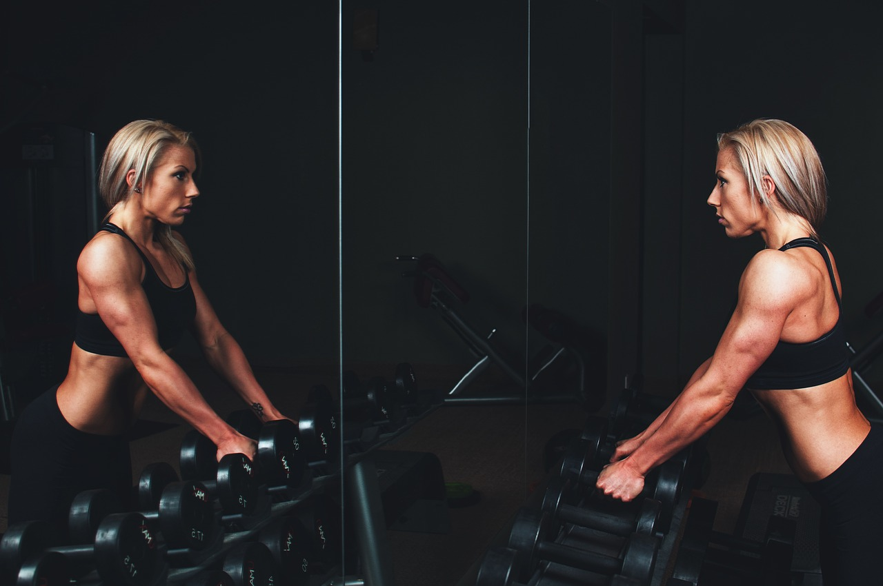 Plastic surgery can be daunting, when having an arm lift there's a few things that should be taken into consideration. Here are a leading surgeon's top tips