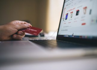 How to choose a student credit card to have more money at University and to increase your credit score | Elle Blonde Luxury Lifestyle Destination Blog