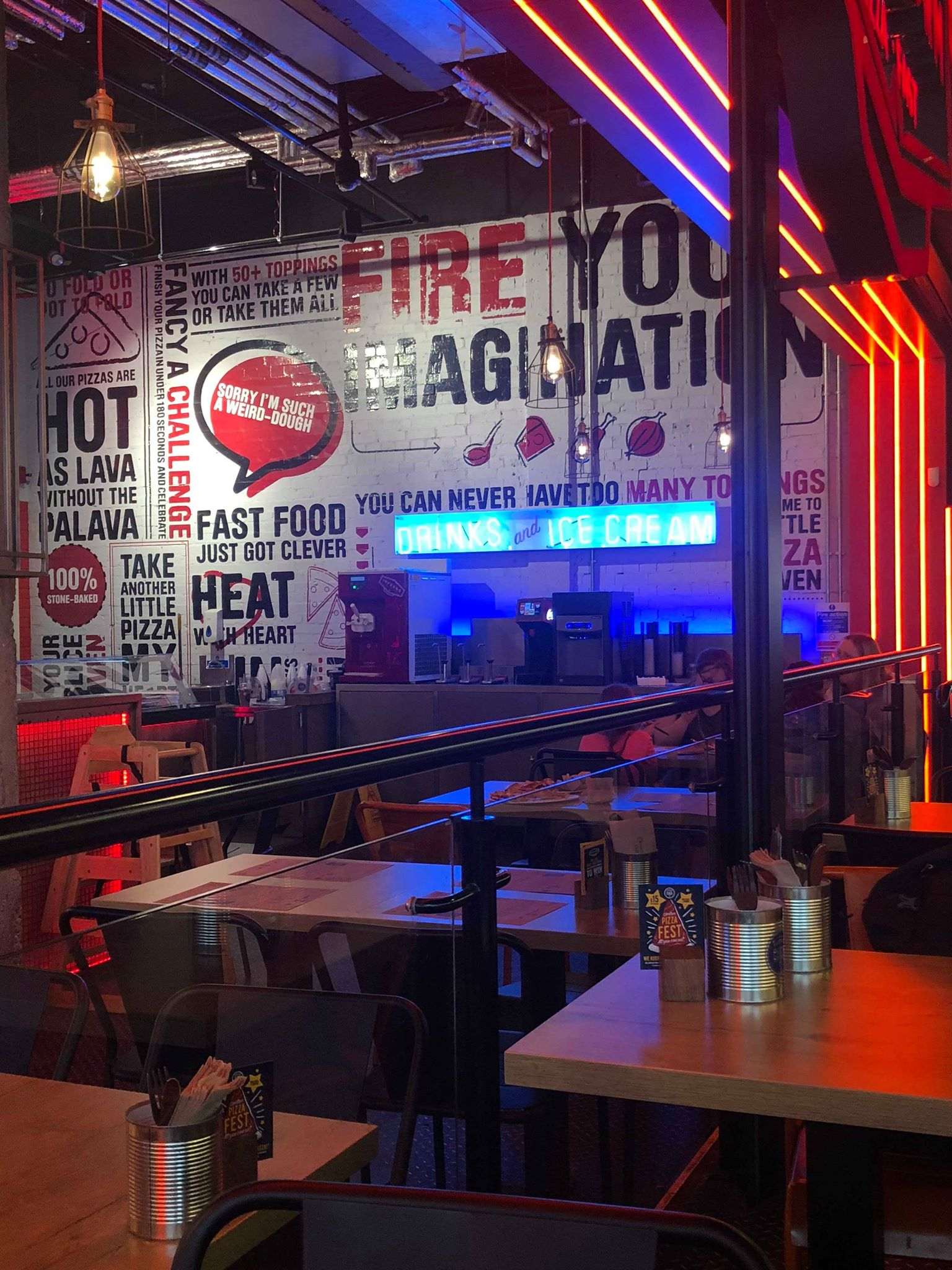 Eating in Newcastle | PizzaStorm - Pizza on the Go | We sent Newcastle Food Experience to check out this fast pizza joint in Newcastle. Check out their thoughts | Elle Blonde Luxury Lifestyle Destination Blog