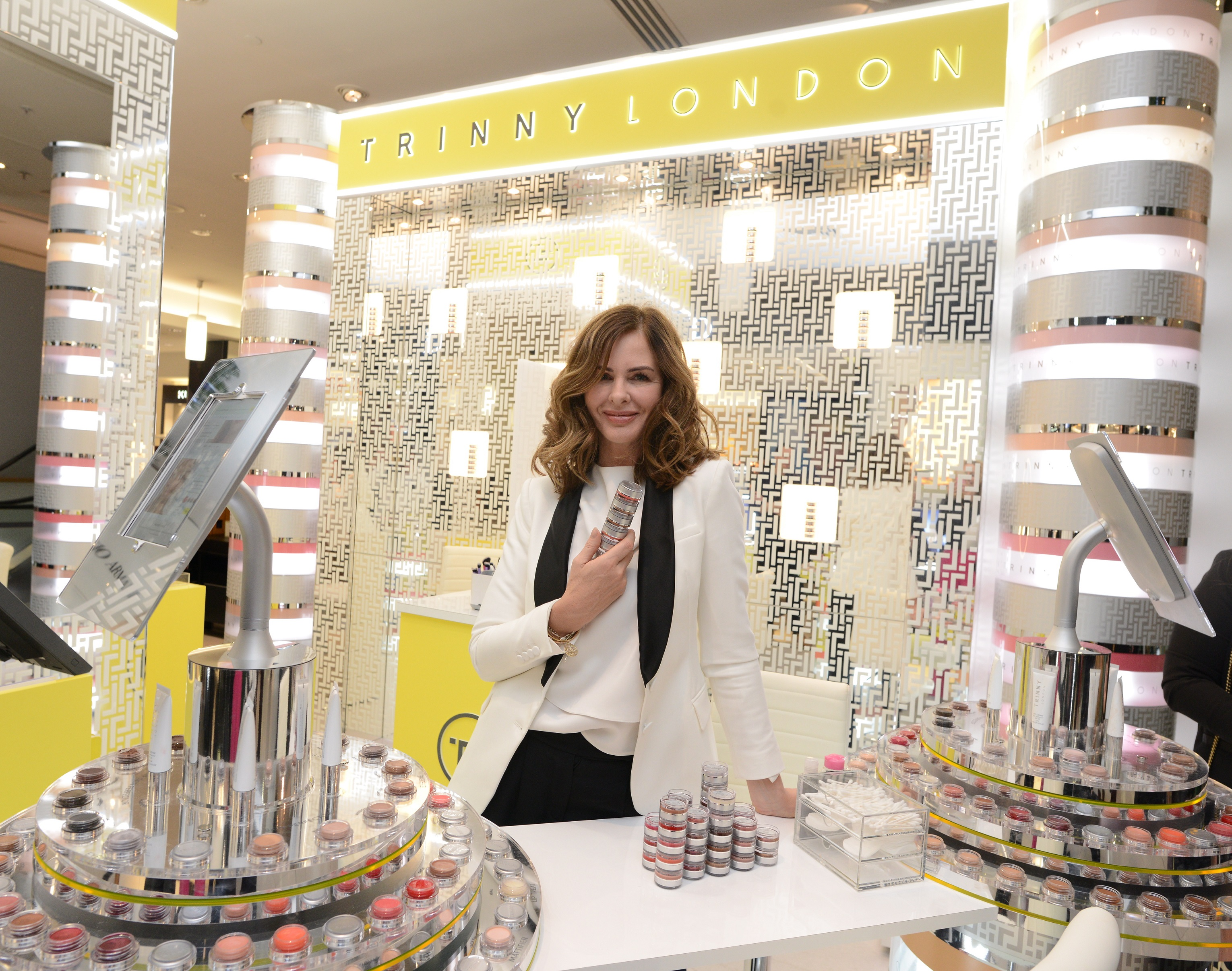 Dated: 14/11/2018 Style guru Trinny Woodall, whose beauty brand TRINNY LONDON has announced Fenwick as its first permanent retail partner, with the Newcastle store holding an exclusive launch event today.