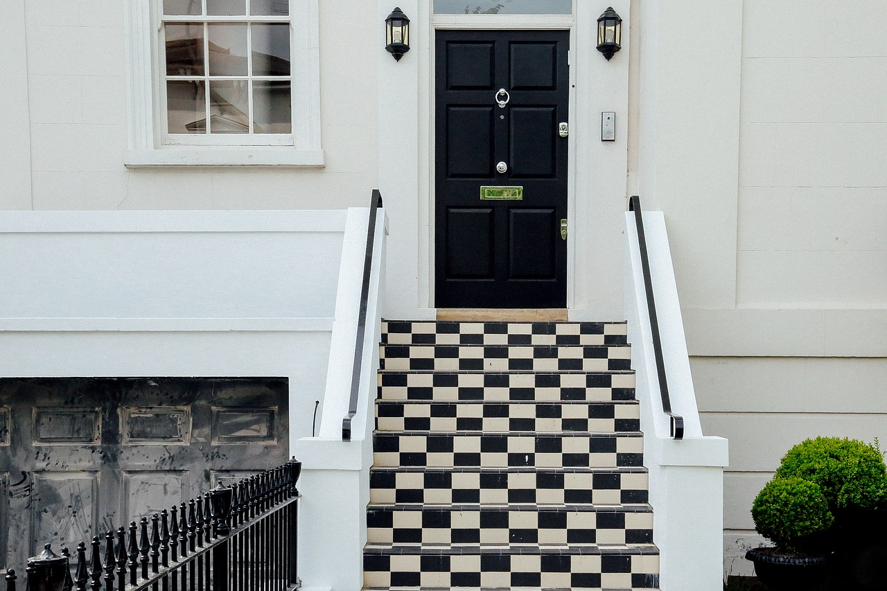 Updating your front door , tips for choosing a new door for your home | Home Interiors & decor | Elle Blonde Luxury Lifestyle Destination Blog