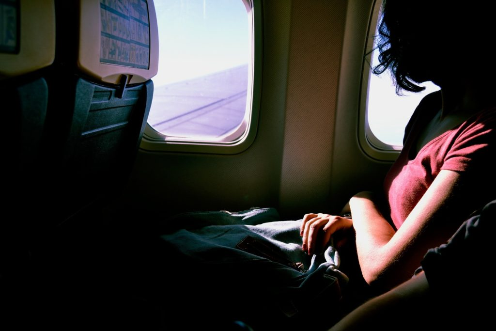 Plane etiquette - what not to do on a plane - Travel tips | Want to know what not to do on a plane? We bring our top plane etiquette tips to ensure that you're a great passenger on any flight. | Elle Blonde Luxury Lifestyle Destination Blog