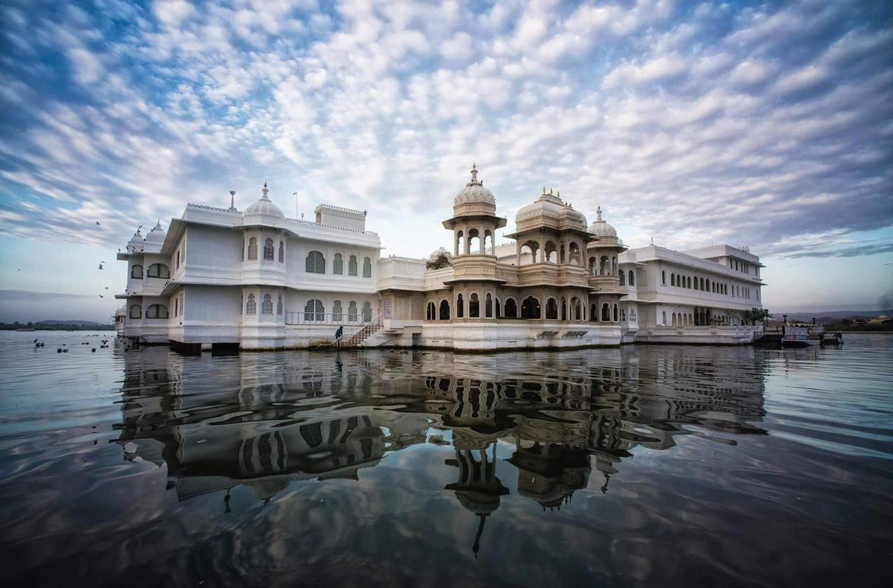 Why Visiting the Taj Lake Palace Should Be Your Goal 2