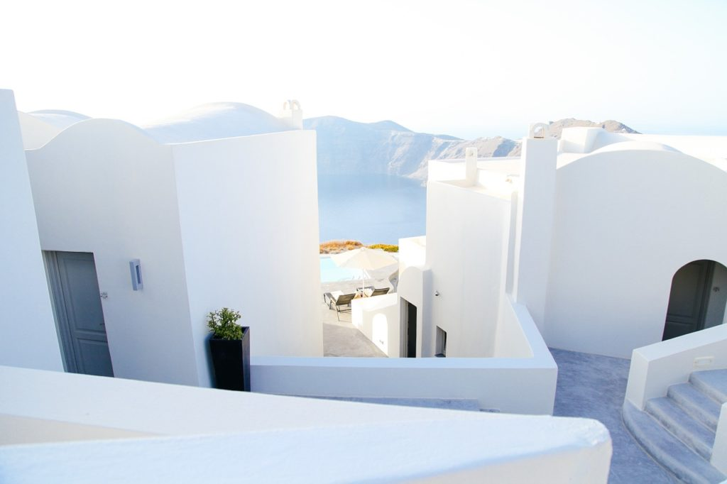 Guest Post: Why Santorini is (and always will be) in the top 10 holiday destinations 5