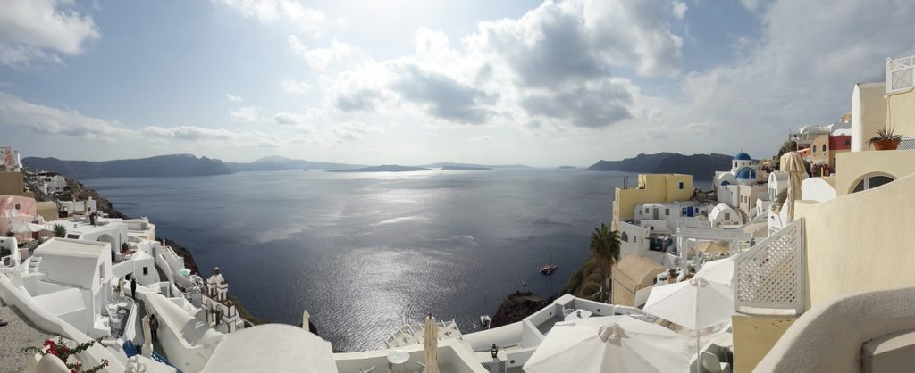 Guest Post: Why Santorini is (and always will be) in the top 10 holiday destinations 2