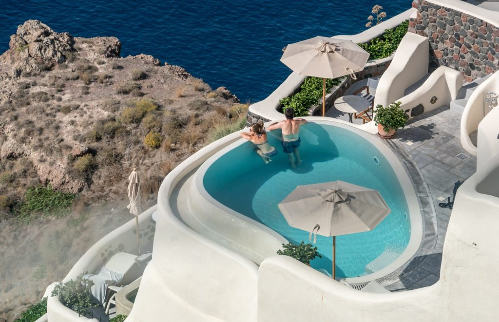 Guest Post: Why Santorini is (and always will be) in the top 10 holiday destinations 3
