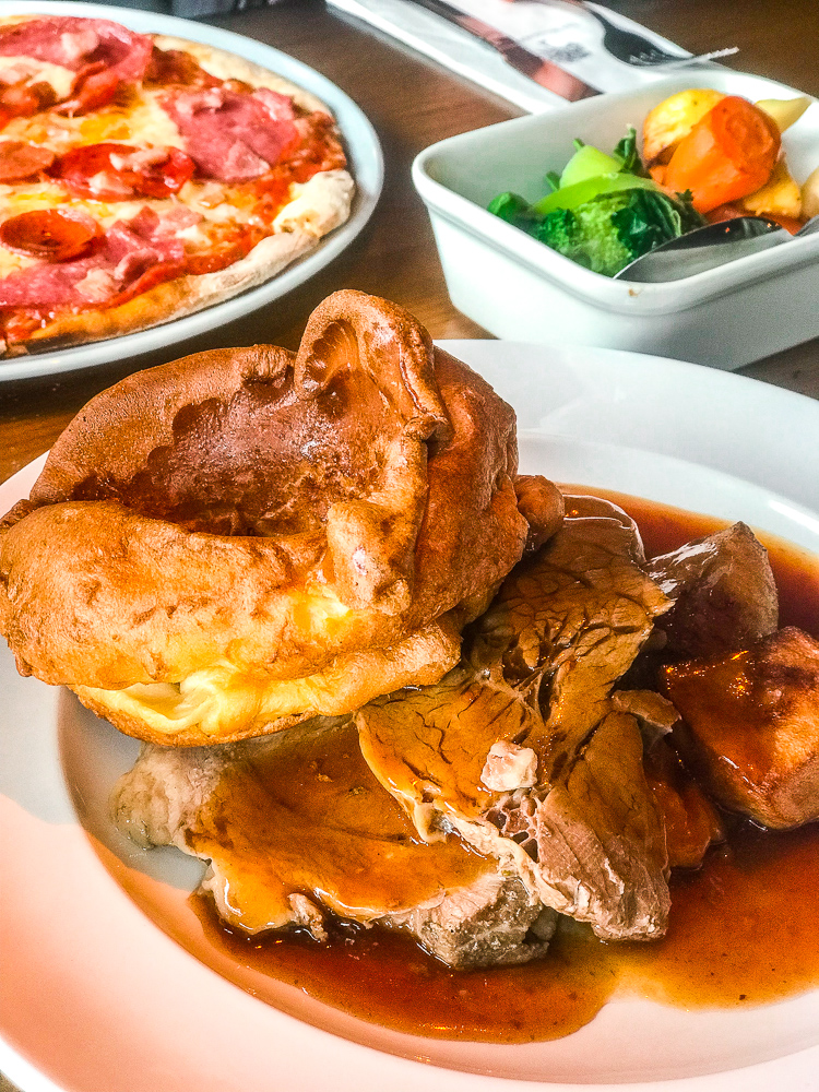 Beef Sunday Dinner | The Woodmans Arms Wickham | Where to eat in Newcastle? | Finding somewhere to eat in Newcastle City Centre isn't difficult but where's good for decent food? | We created The Ultimate Newcastle Food Guide so you don't have to search | Food Review | Elle Blonde Luxury Lifestyle Destination Blog