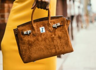 When it comes to choosing a designer handbag, question is which style do you go for? We debunk our top splurge purchase tips | Elle Blonde Luxury Lifestyle Destination Blog