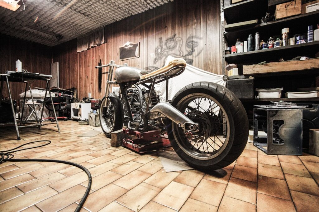 If you are buying a motorcycle online then there are a few things you need to look for before purchasing | Bike tips | Elle Blonde Luxury Lifestyle Destination Blog